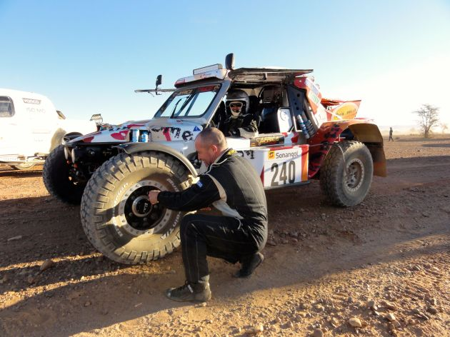 Car240AfricaEcoRace01