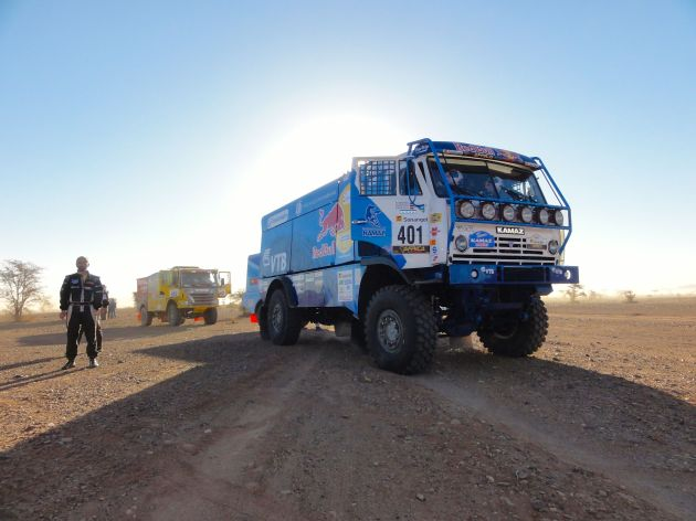 TrucksWaitingForStart02